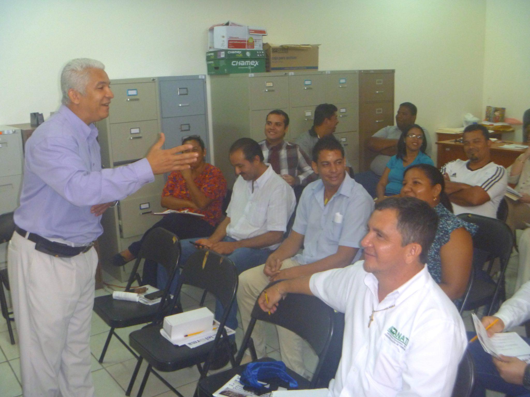 """Seminario taller """"Trabajo en equipo y relaciones humanas"""" en la Autoridad Nacional de Administración de Tierras"""
