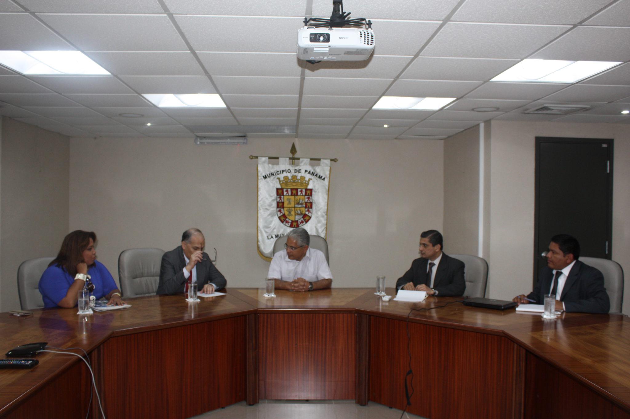 Procuraduría de la Administración se reúne con la Alcaldía de Panamá