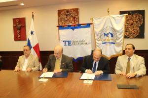 Firma de convenio entre la Procuraduría de la Administración y el Tribunal Electoral