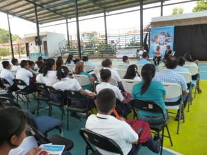 Teatro comunitario a estudiantes del Colegio Plinio A. Moscoso de Pedasí