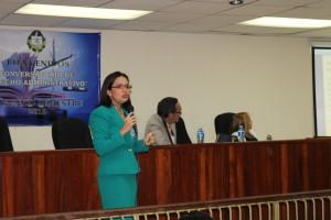 Secretaria general de la Procuraduría de la Administración diserta en conversatorio