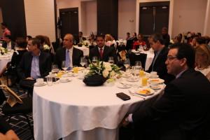 Subsecretario general asiste al desayuno por aniversario del SIR