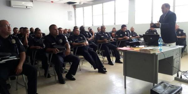 Unidades de la Policía Nacional de Veraguas se capacitan  sobre Dilemas Éticos