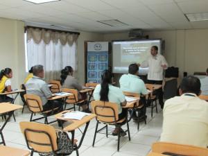 """""""El Liderazgo y la Comunicación"""" a los servidores públicos del MICI, provincia de Bocas del Toro"""