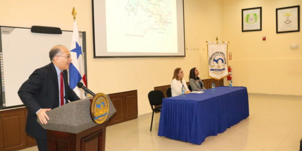 Conferencia: Impacto de la presencia Norteamericana en Panamá