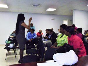 """Colegio Abel Bravo recibe seminario sobre """"La Mediación Comunitaria"""""""