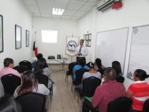 Custodias del Centro de Cumplimiento Femenino Los Algarrobos se capacitan