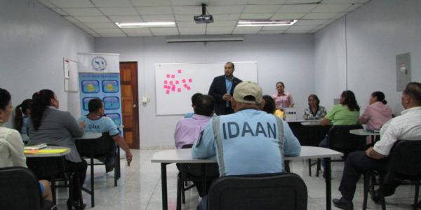 Mediación y manejo de conflictos con los servidores públicos del Instituto de Acueducto y Alcantarillado Nacionales