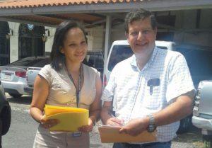 Directores de las instituciones públicas de la provincia de Coclé obtienen Revista de Gestión Pública
