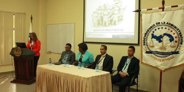 Seminario taller para los servidores públicos de la Unidad Administrativa de Bienes Revertidos del MEF