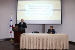 Conferencia Buen manejo de la información en las instituciones Públicas