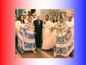 Procuraduría de la Administración rinde homenaje al mes de la patria con acto cívico