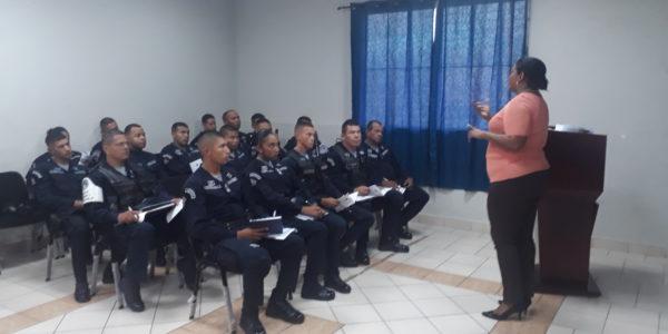 Zona Policial de Panamá Este se capacita sobre el Marco Regulatorio de la Ley 16 de 17 de junio de 2016