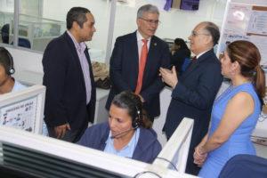 Procurador de la Administración realiza recorrido por el Centro de Contactos del 311