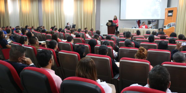 Conferencia: Grupos vulnerables, sus derechos humanos en el siglo XXI