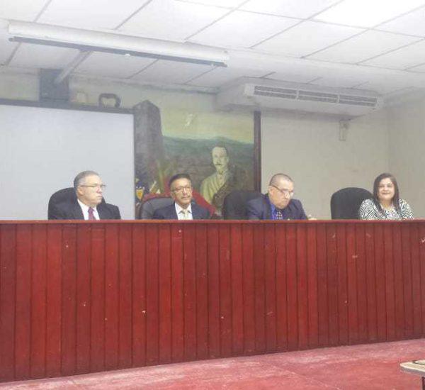 Disertación sobre la Descentralización del Estado Panameño