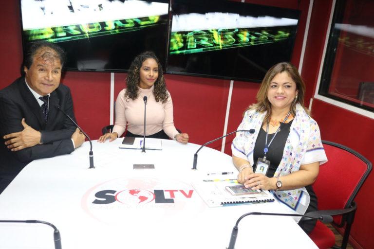 Participación en el programa radial La Brujula
