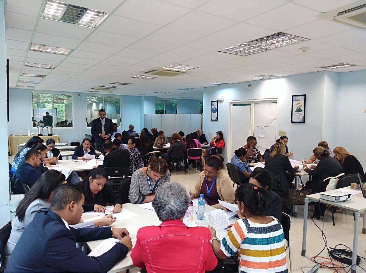 """Servidores del Estado reciben seminario taller sobre """"Ética en el Servicio Público"""""""