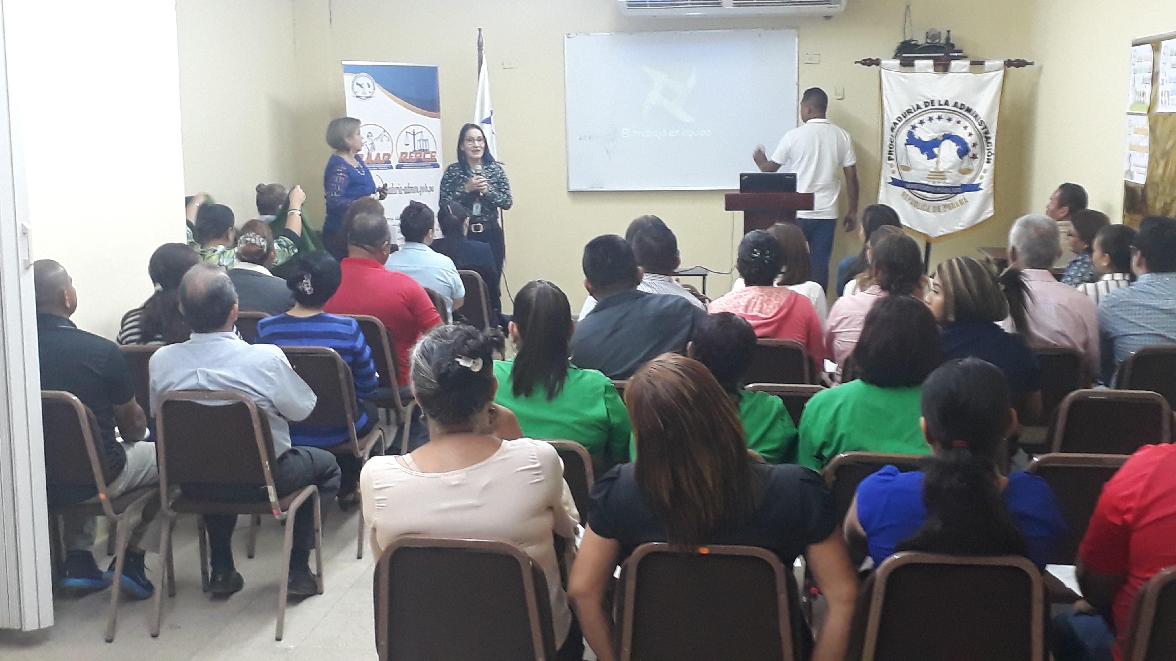 Seminario en la provincia de Veraguas sobre manejo del estrés