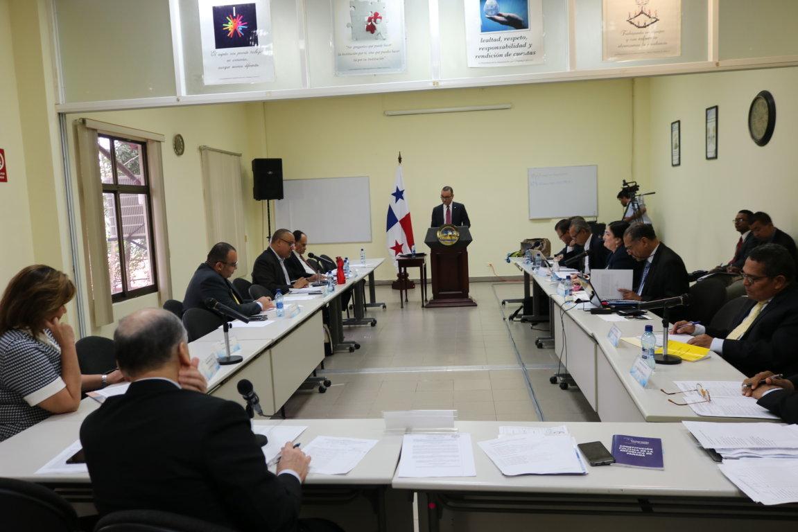 A 128 desciende lista de aspirantes a cargos de magistrados de CSJ