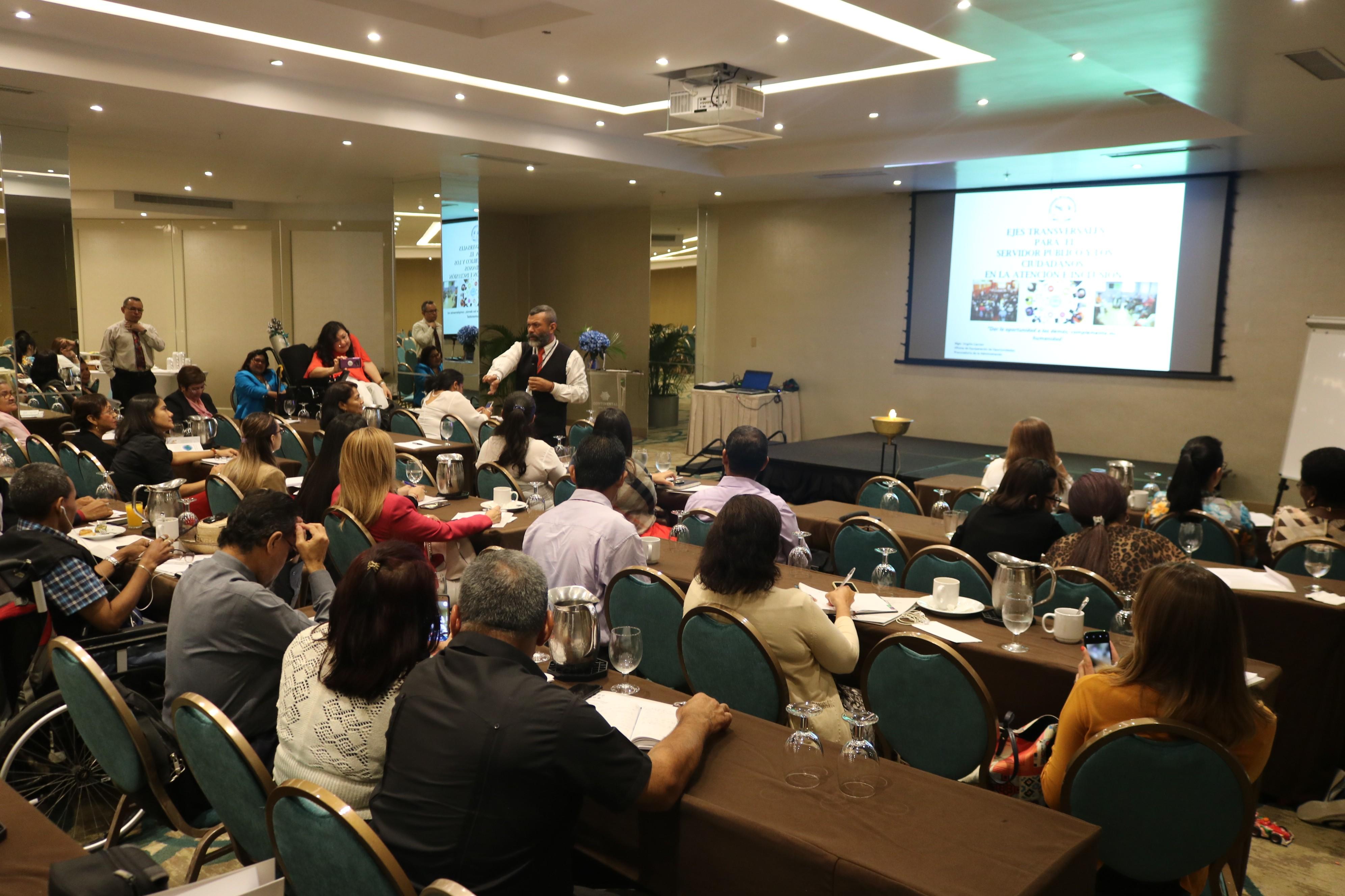 Procuraduría de la Administración explica servicios de orientación ciudadana en jornada de MELEDIS