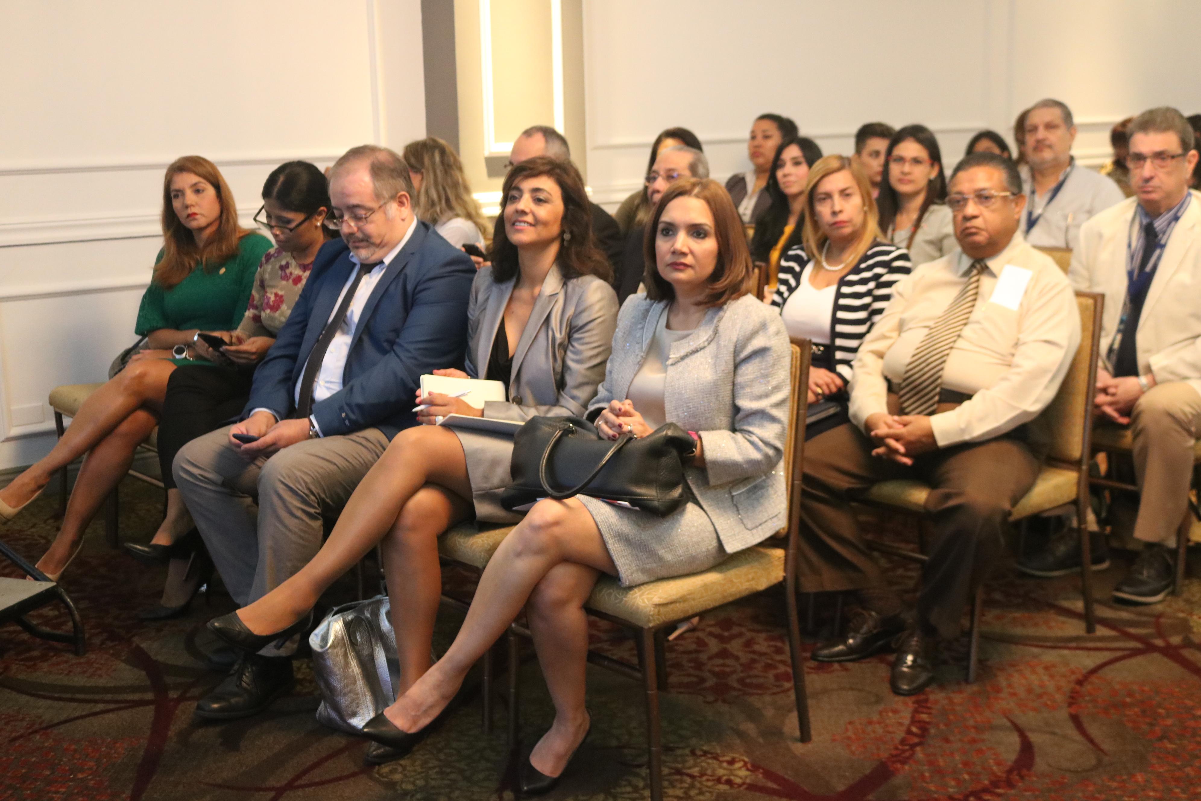 Secretaria general en presentación de estudio sobre Servicio Civil
