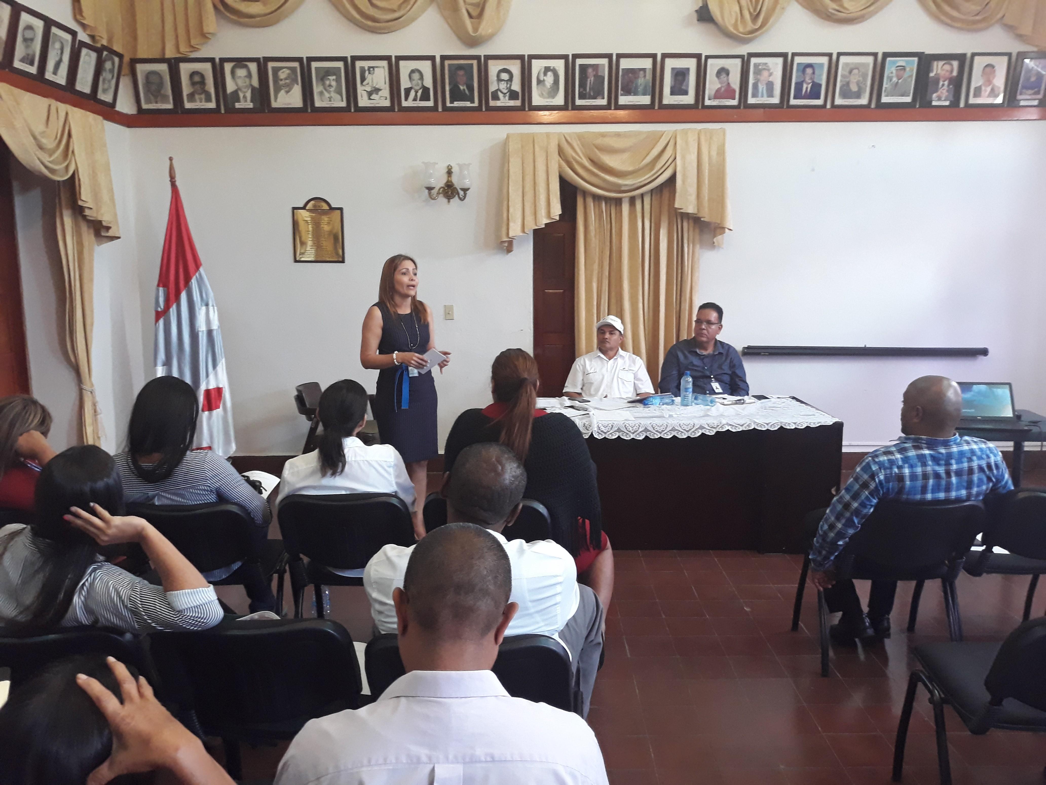 Directores  de entidades de Coclé reciben capacitación en tema de ética del servidor público