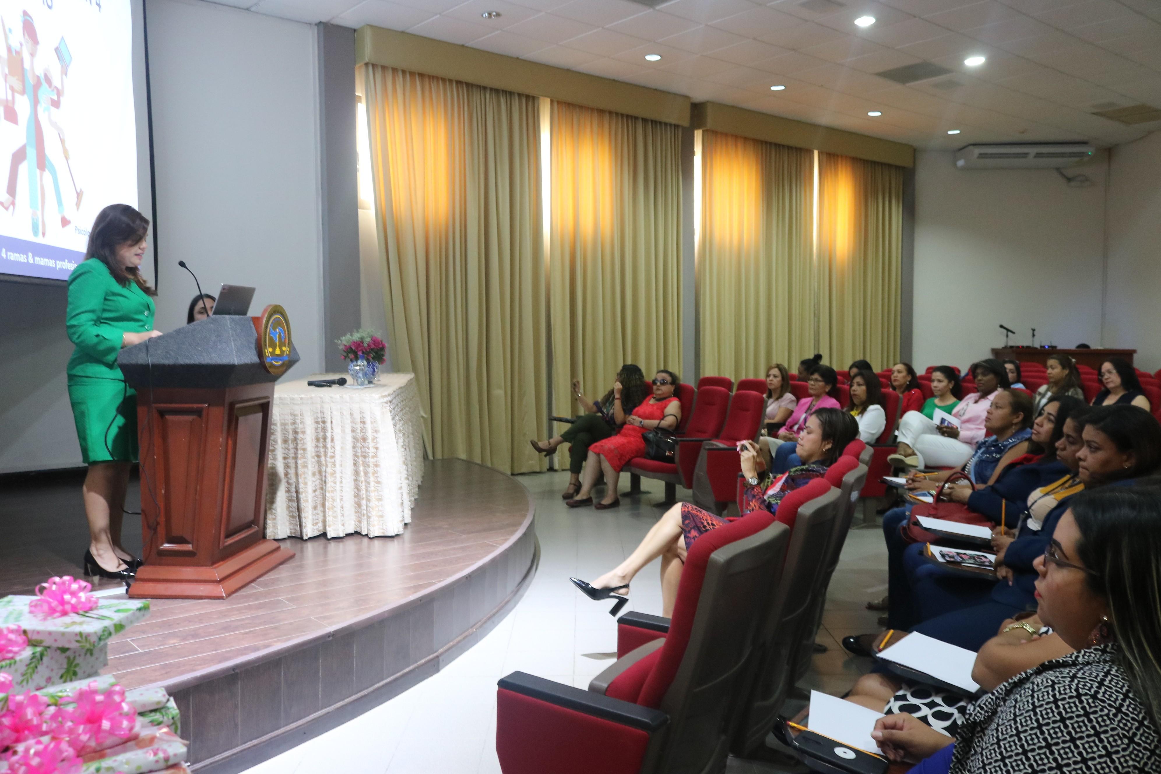 Con charla de crecimiento interno y autoformación madres de la procuraduría celebraron su día
