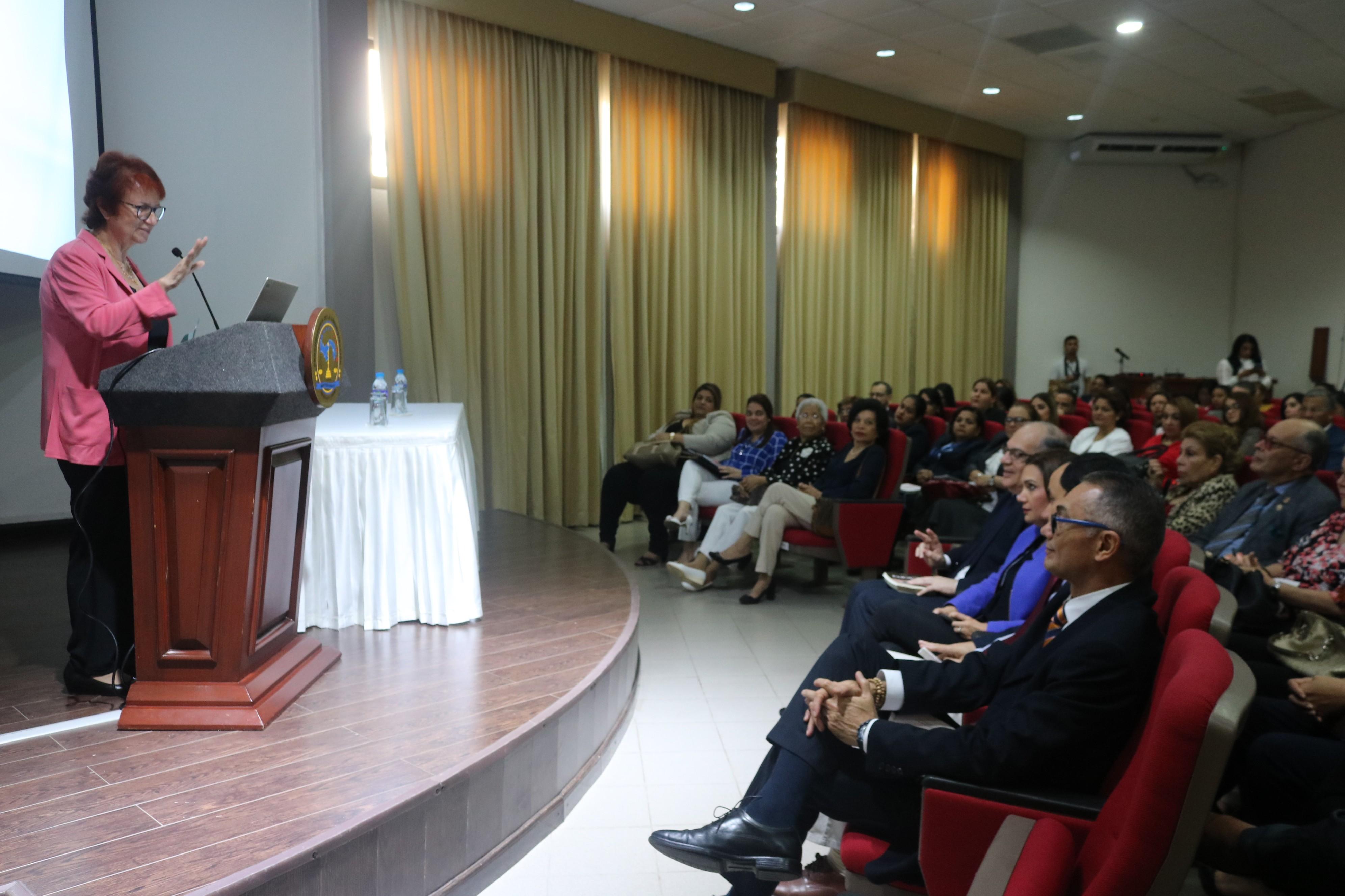 Procuraduría resalta legado en lucha de derechos humanos por parte de Clara González