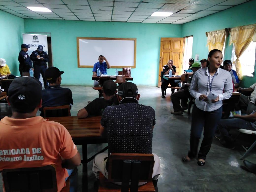 CMC de Changuinola y Policía Nacional capacitan a trabajadores en fincas Bananeras