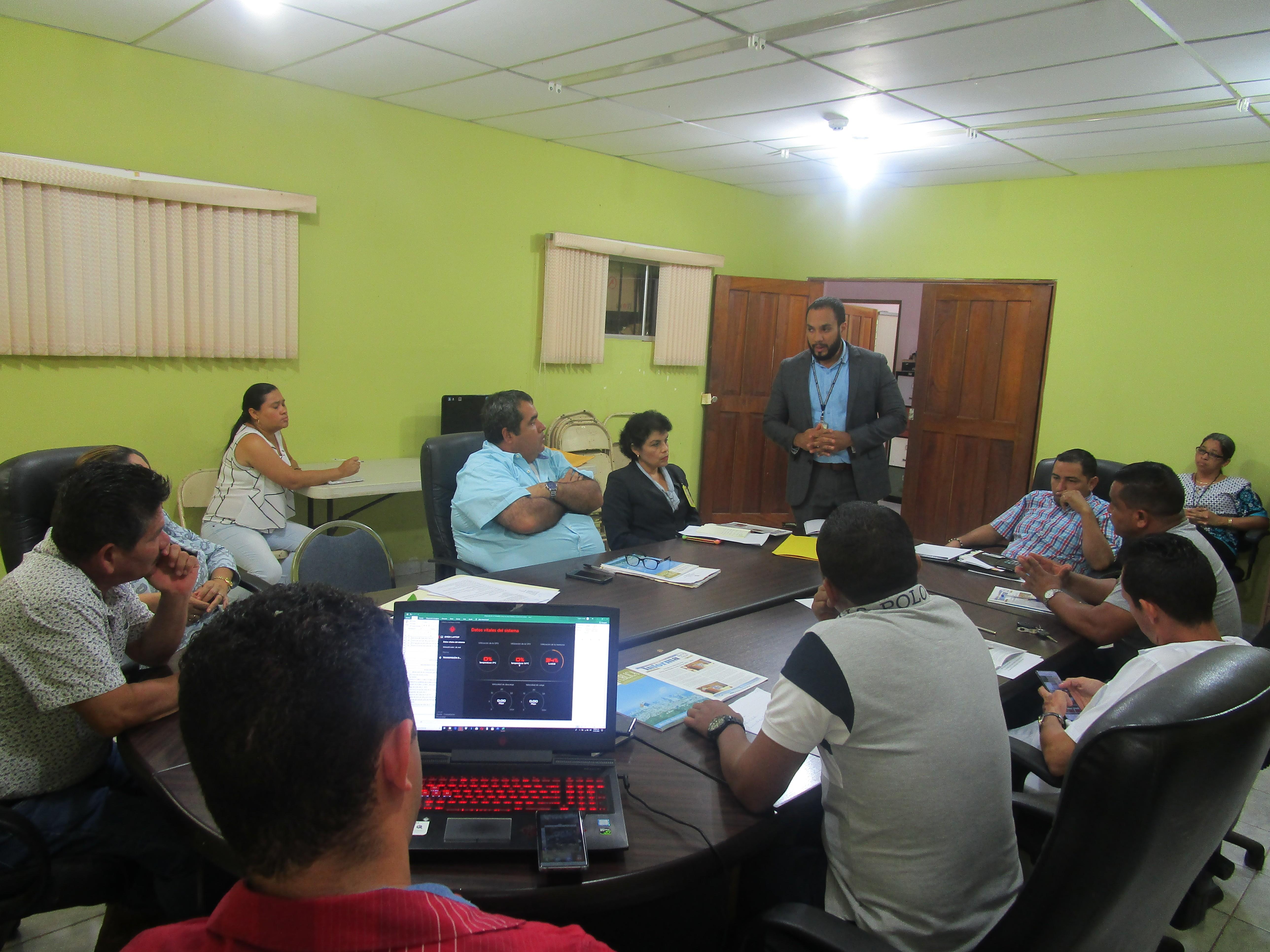 Coordinación sobre descentralización y participación ciudadana con autoridades locales de Gualaca