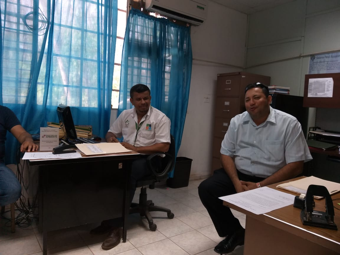 Equipo de seguimiento técnico a proyecto de Municipio de Santa María visita regional de Mi Ambiente