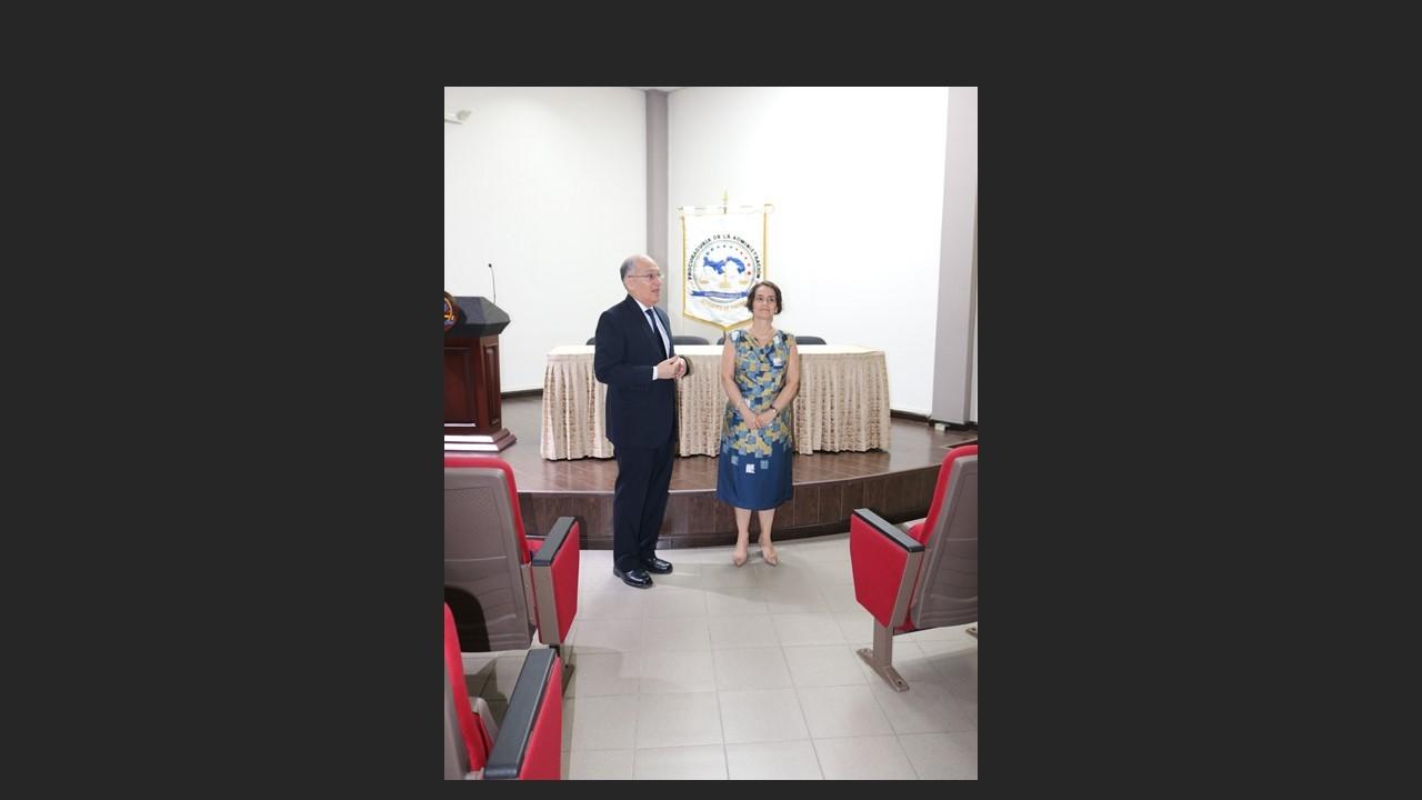 Dra. Marixa Lasso visita archivos documentales de la Procuraduría de la Administración