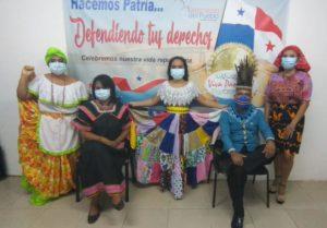 Homenaje al inicio de las fiestas patrias