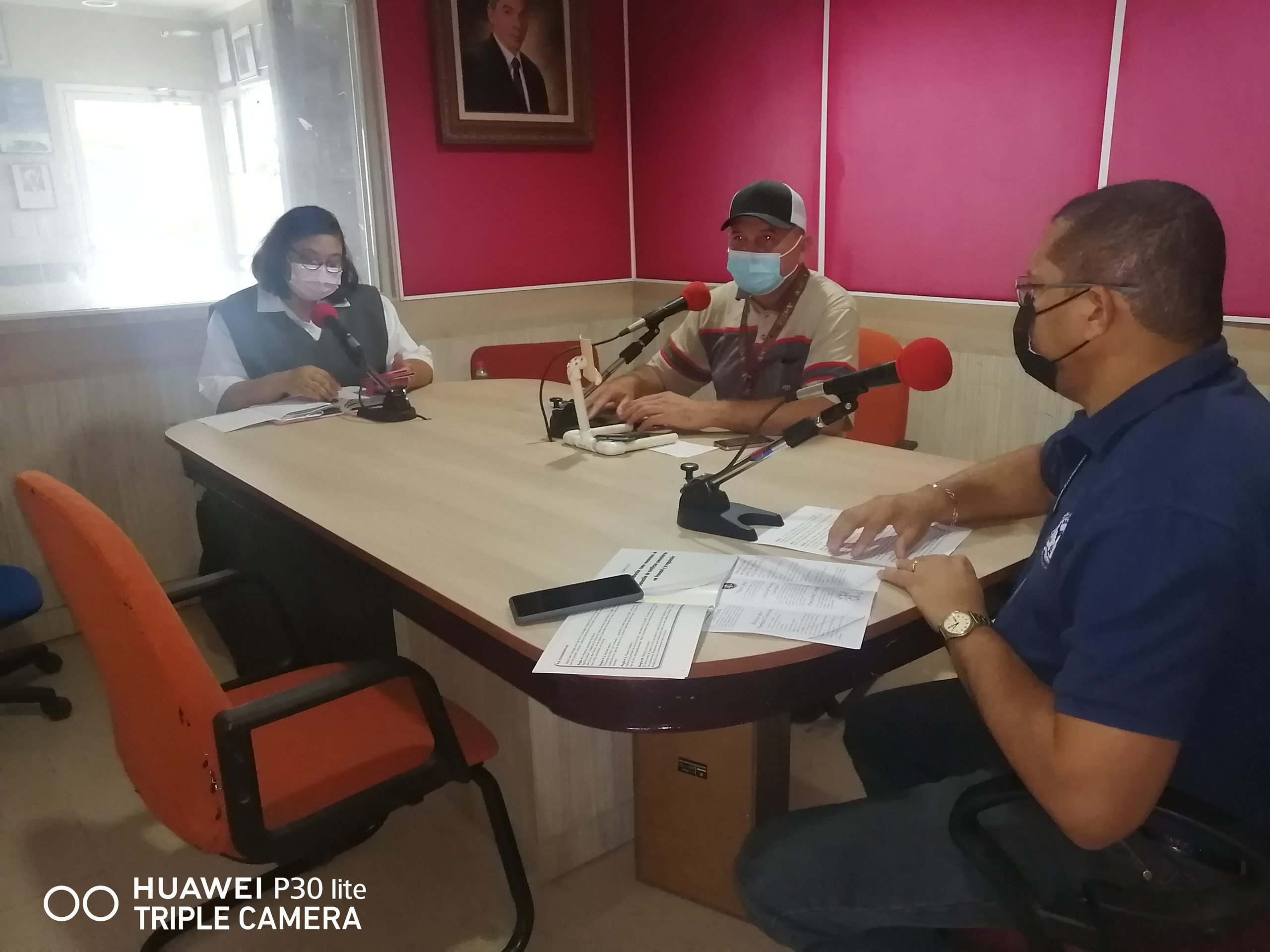 PROMOVIENDO LOS SERVICIOS DE LA MEDIACIÓN EN LA RADIOEMISORA PENÍNSULA