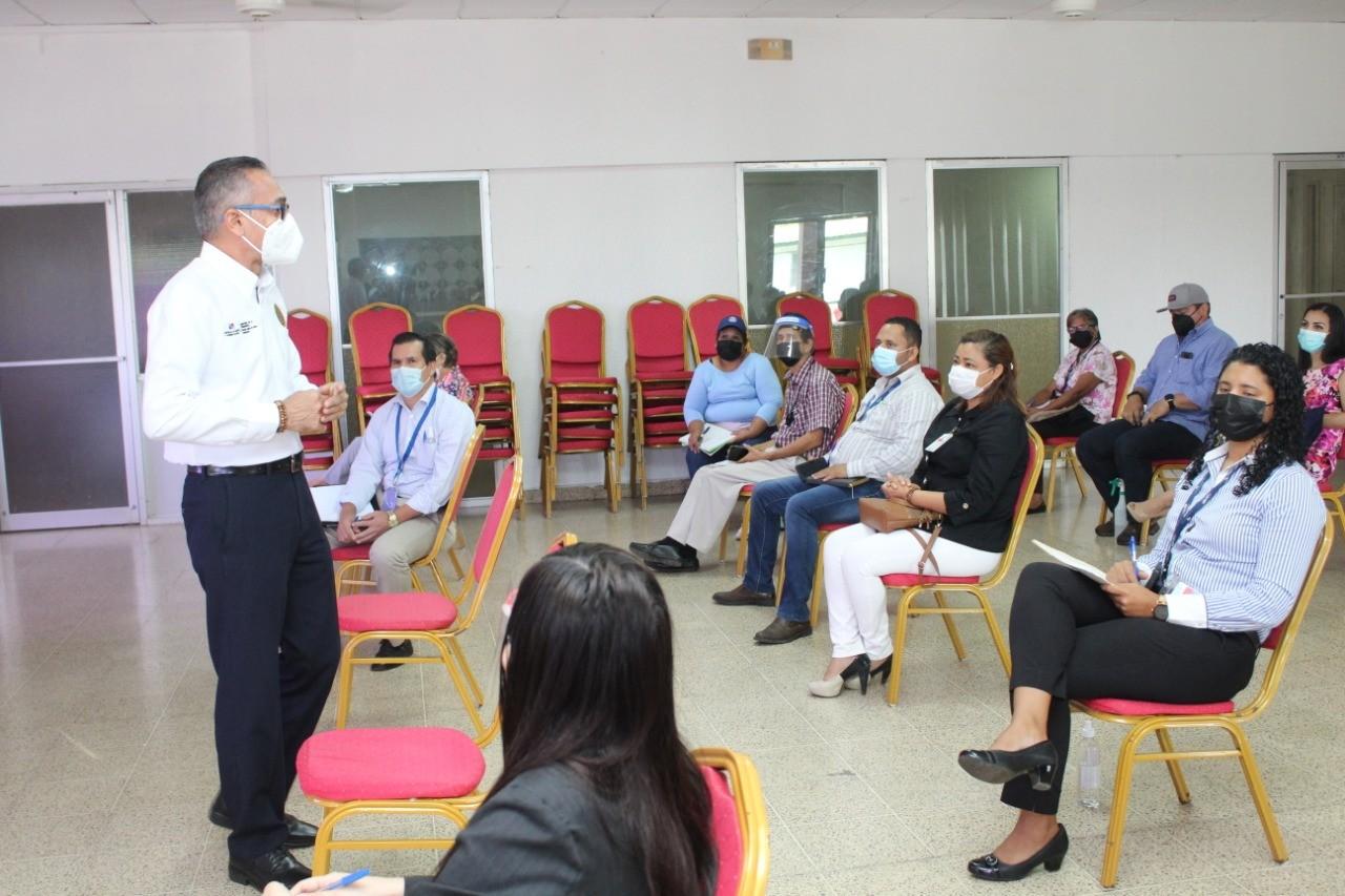 Secretaría Provincial de Veraguas participa en reunión convocada por la Dirección General de Carrera Administrativa