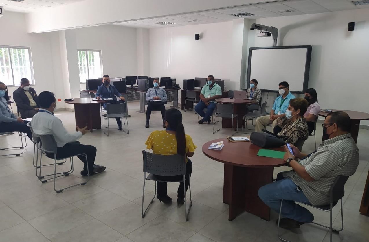Reunión de los miembros de la Comisión de Derechos Humanos del CONADIS de Herrera