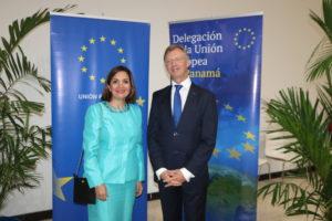 Lee más sobre el artículo Recepción en honor a la conmemoración del Día de Europa
