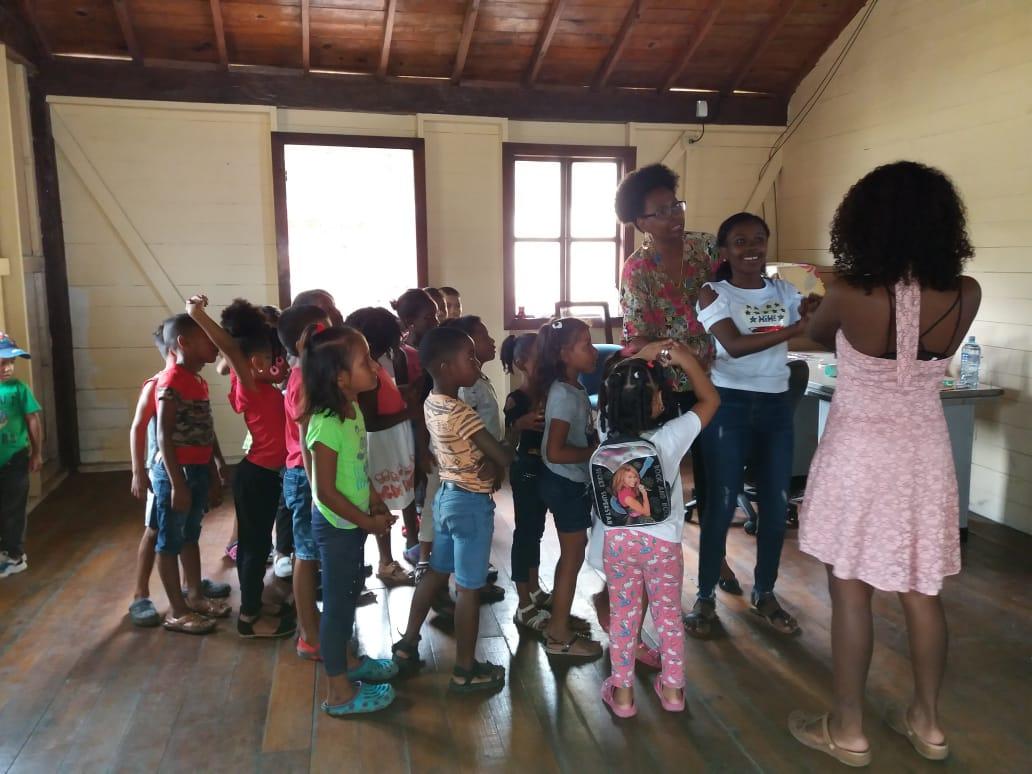 Lee más sobre el artículo CMC de Portobelo fortalece convivencia vecinal con acto de izada de bandera de la Cultura Congo