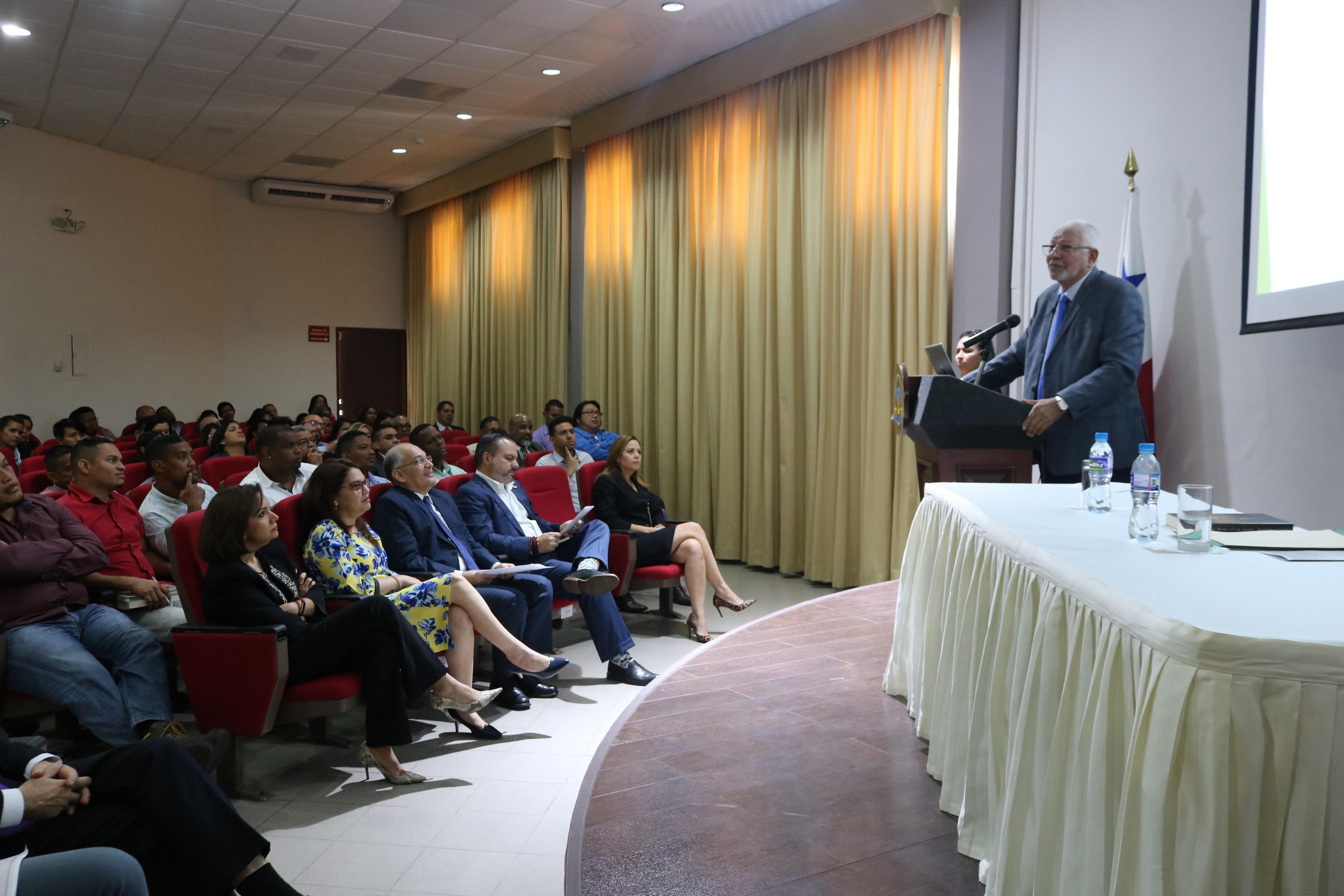 Lee más sobre el artículo CECPA organizó conferencia magistral como apertura al año académico 2020