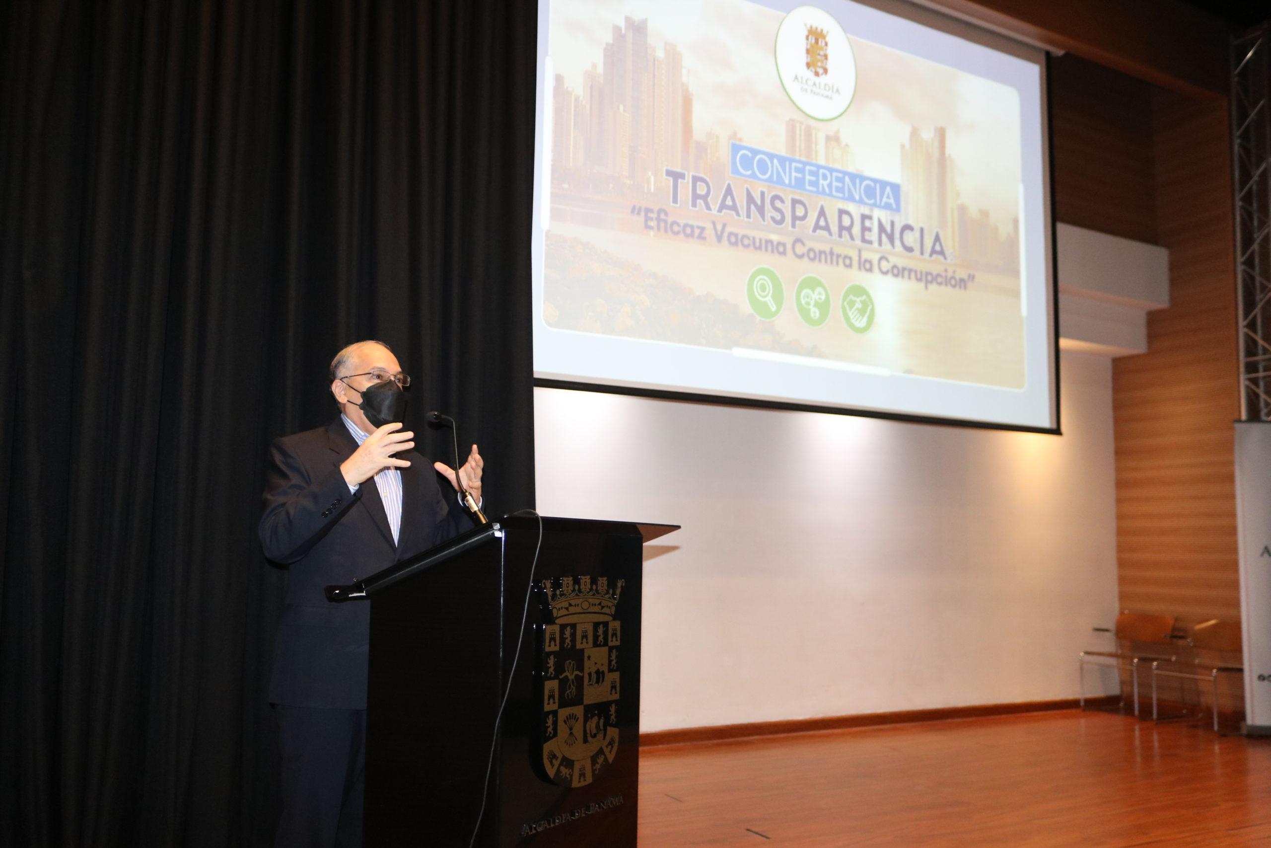 Lee más sobre el artículo Procurador González disertó en el marco de la Semana de la Transparencia